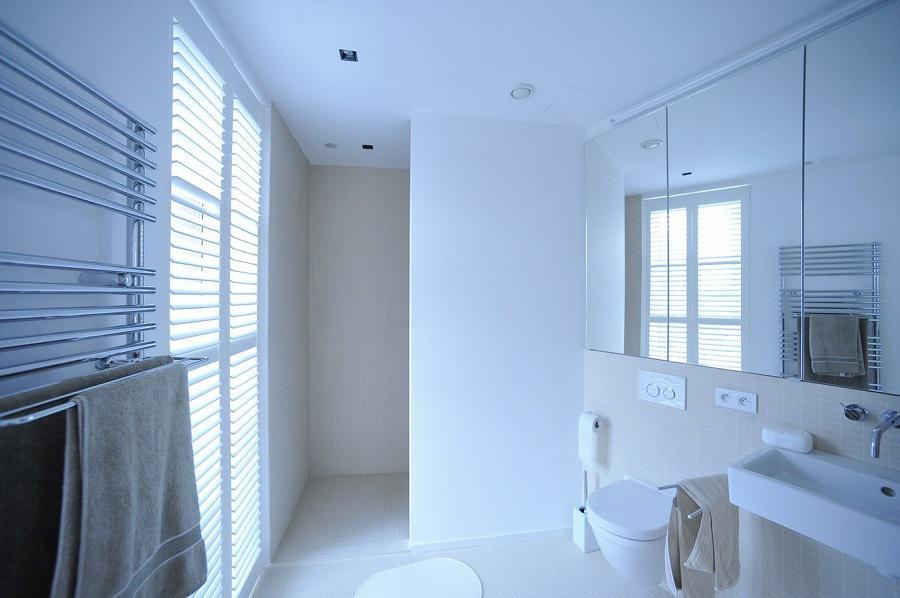 jasno shutters wit badkamer 3 - Shutters