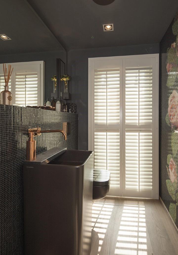 shutters wastafel 768 720x1030 - Shutters