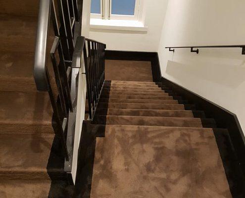 trappenhuis tapijt met border 2 495x400 - Projecten